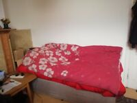 Single bed houseshare £210 semi double room