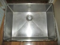 STAINLESS STEEL BUTLER/BELFAST SINK