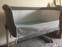 Babylo next to me crib