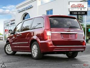 2014 Chrysler Town & Country Limited *LOADED, LEATHER, DVD* Windsor Region Ontario image 4