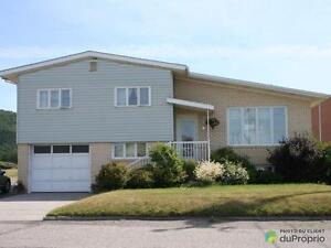 134 900$ - Maison à paliers multiples à vendre à Mont-Louis