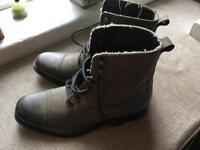 Boys/ men's boots