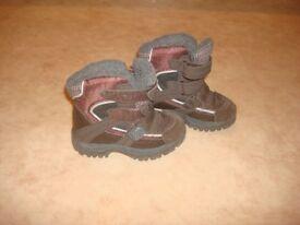 Next - winter shoes size 7