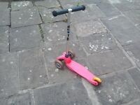 Micro 3-wheeled pink scooter