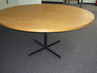 OAK OR OAK VENERRED ROUND DINING OR OFFICE TABLE