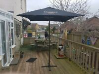 New Magners pub xxl Parslo.can be used with table or freestanding