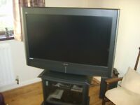"GRUNDIG LCD TV 43"" DVB-T BUILT IN FREEVIEW"