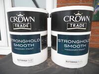 Crown Trade Strong Hold Smooth Masonry Paint