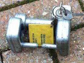 Winterhoff hitch lock