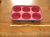 Silicone muffin and loaf moulds
