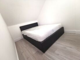 Brand new Studio Bedsit with En-suite close to Town Centre, Train Station and University
