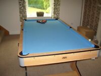 BCE Pool Table 6Ft By 3Ft. Three pool cues, Spider, Full set of balls and all accessories