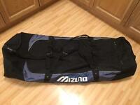 Mizuno padded golf travel bag
