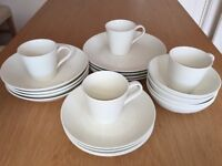 Gordon Ramsay Maze 12 piece dinner set plus pasta dishes and mugs in white