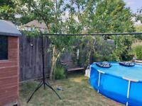 Photography backdrop stand with clips