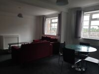 Private/Universal Credit/Housing Benefit – Larger than average luxury and newly renovated 3 bed flat