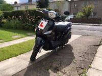 Yamaha Delight 'twist & go' scooter, brand new MOT & full service, good condition, very low mileage