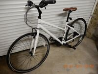 "Ladies Ridgeback Element Rapide (2013) 16"" hybrid bike - as new & immaculate."