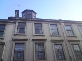 Excellent 1 Bedroom Flat Paisley Town Centre - Furnished