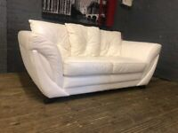 NATUZZI WHITE LEATHER SOFA IN EXCELLENT CONDITION VERY FREE DELIVERY