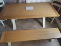 Stunning dinning table 4 chairs and bench