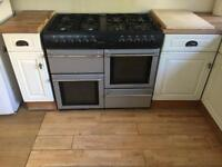 Countrychef Range Gas double oven
