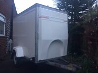 BOX TRAILER .TOW A VAN 14 P.