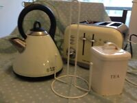 Vintage style kitchen - Morphy Ricards Kettle and toaster plus accessories