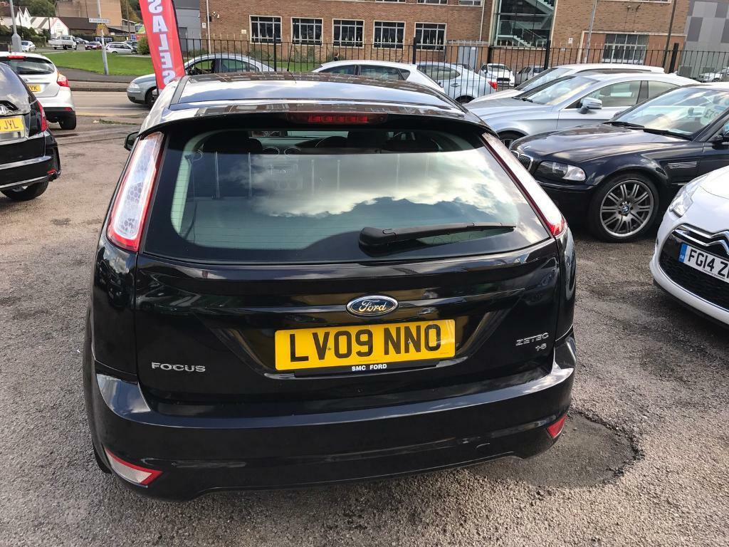 Ford focus 1 6 zetec hatchback 5 dr petrol manual in great barr