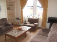 Spacious Two Bedroom Flat near Kelvingrove Park, very close to University, ideal for Students