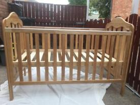 Cot + baby changer