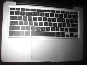 "Apple MacBook Pro Laptop. 13.3"" Display. Intel i5 2.3Ghz. 4GB RAM. 320GB HDD. Mini Display. USB. Bluetooth. DVD. WebCAM"