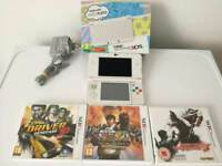 Boxed New Nintendo 3DS in excellent condition with 3 3DS games