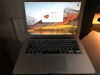 "Apple MacBook Air 13.3"" MMGF2B/A Core i5, 128 GB - 8 GB - Silver."