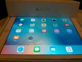 I Pad AIR 2 in Silver/White 16gb..Wi-fi...boxed 9 months old..