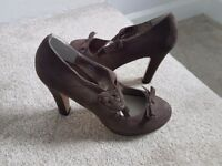 Ladies high heel shoes . Size 7