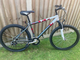 USED 3 TIMES - Raleigh Mens Suspension Mountain Bike