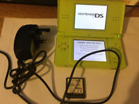 Green nintendo ds lite wih one game + charger