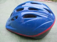 Small-Medium Size Safety Helmet for Cyclists or Skateboarders