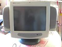 HP Pavilion M70 17 inch CRT Monitor, speakers, power lead, monitor cable and cover