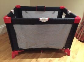Travel cot vgc