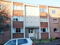 2 bedroom Unfurnished top floor flat to rent on Caiystane Gardens, Fairmilehead, Edinburgh