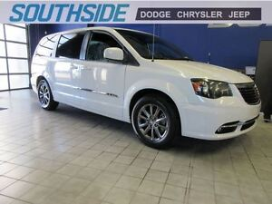 2015 Chrysler Town & Country S w/DVD/SAFETY PKGE