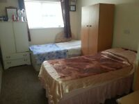1 SPECIOUS DOUBLE/TWIN ROOM AVAILABLE IN A HOUSE TO LET IN STRATFORD/FORESTGATE