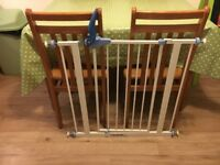 2 Lindam Baby Toddler Safety Gates Great Condition £6 each or nearest offer or two for £10
