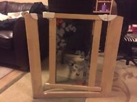 Pressure Fit wooden Gate - Safety Gate - with plastic glass - Excellent Condition