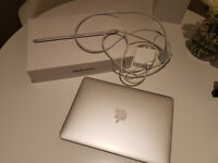 "Macbook Pro 13"" Retina 2.4GHz 8GB 256GB with Box Great Condition"