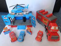 Mega Bloks Disney Cars bundle - Mack, Lightning Mcqueen and Dinoco stage - Bargain