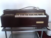 Vintage Magnus Electric Organ For Sale