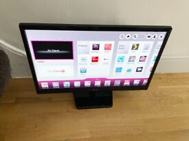 """LG 24"""" HD SMART TV OR MONITOR YOU TUBE, NETFLIX ETC,EXCELLENT CONDITION £100 NO OFFER CAN DELIVER"""